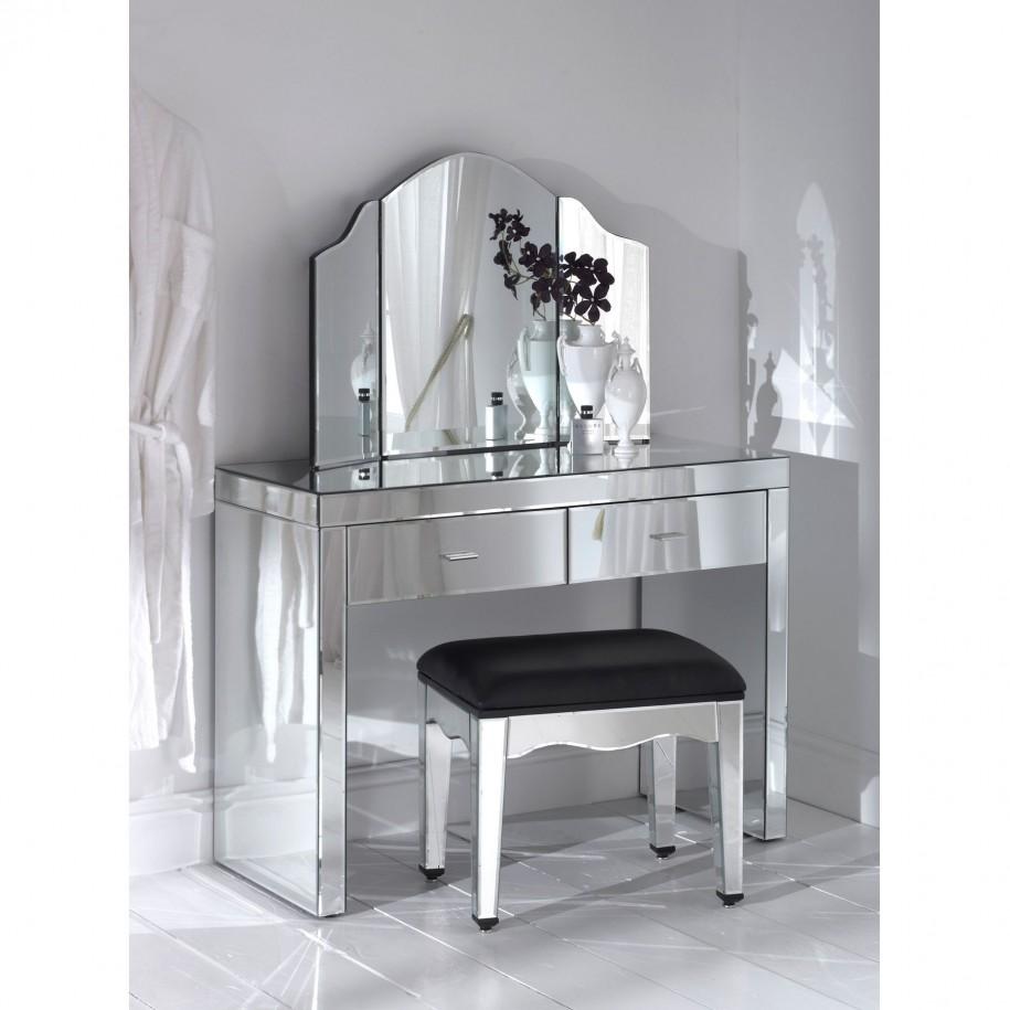 Newest Selections of Makeup Vanity Chair - HomesFeed on Makeup Bedroom  id=44794