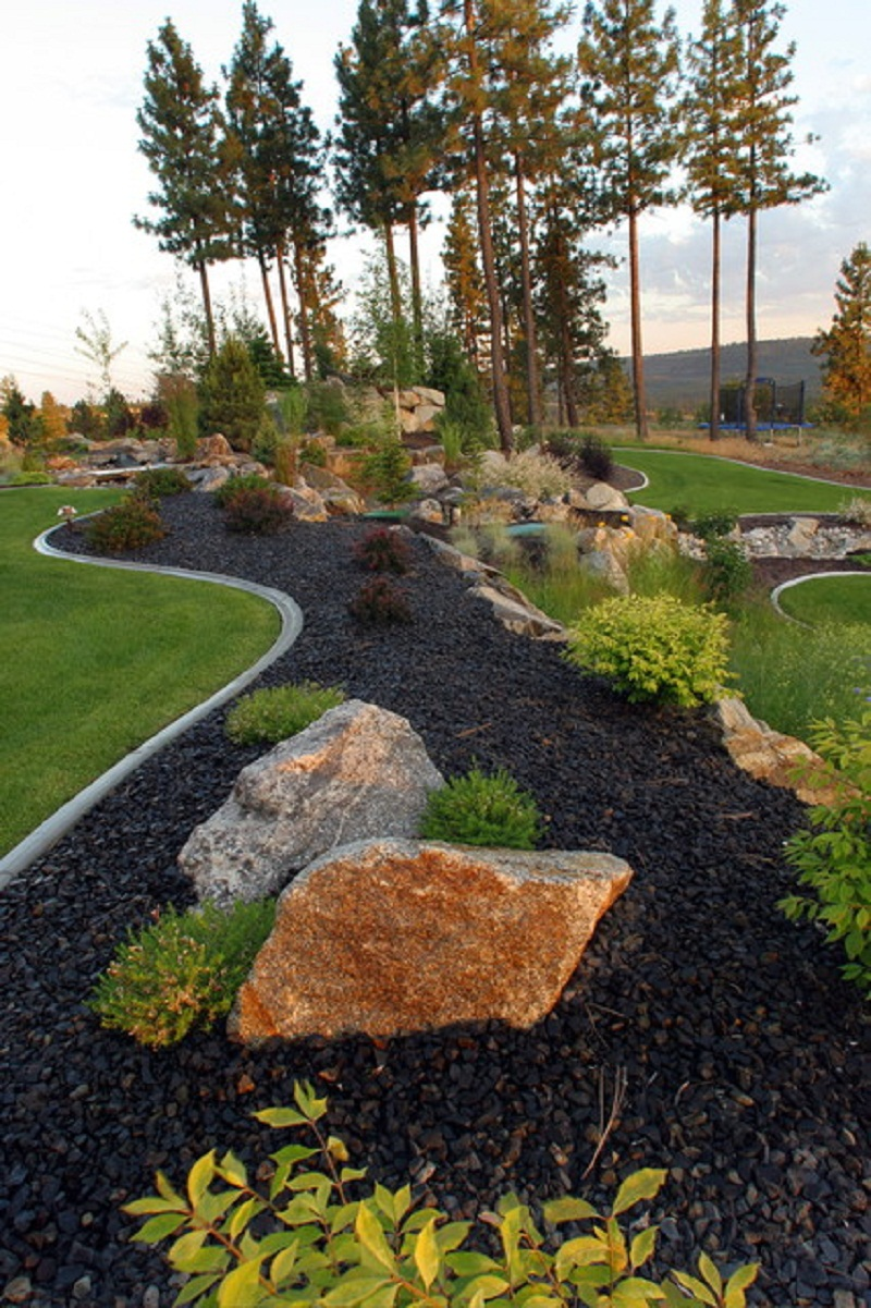 Natural Large Rocks For Landscaping | HomesFeed on Rocks In Backyard  id=88711