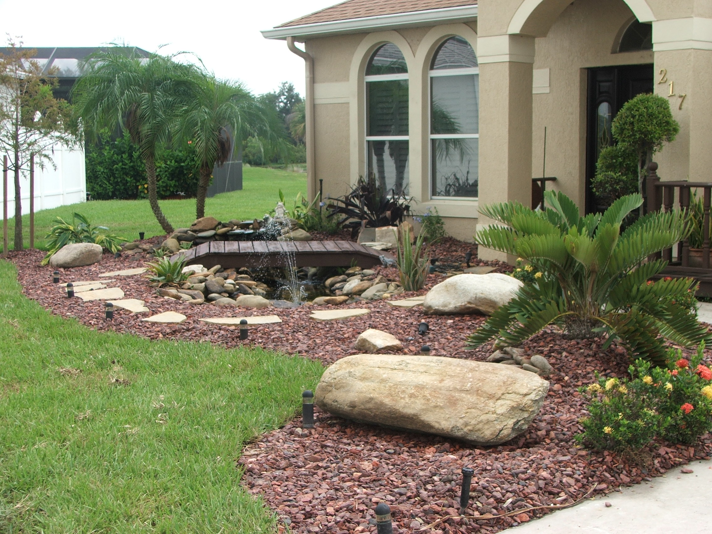 Natural Large Rocks For Landscaping | HomesFeed on Small Garden Ideas With Rocks id=53855