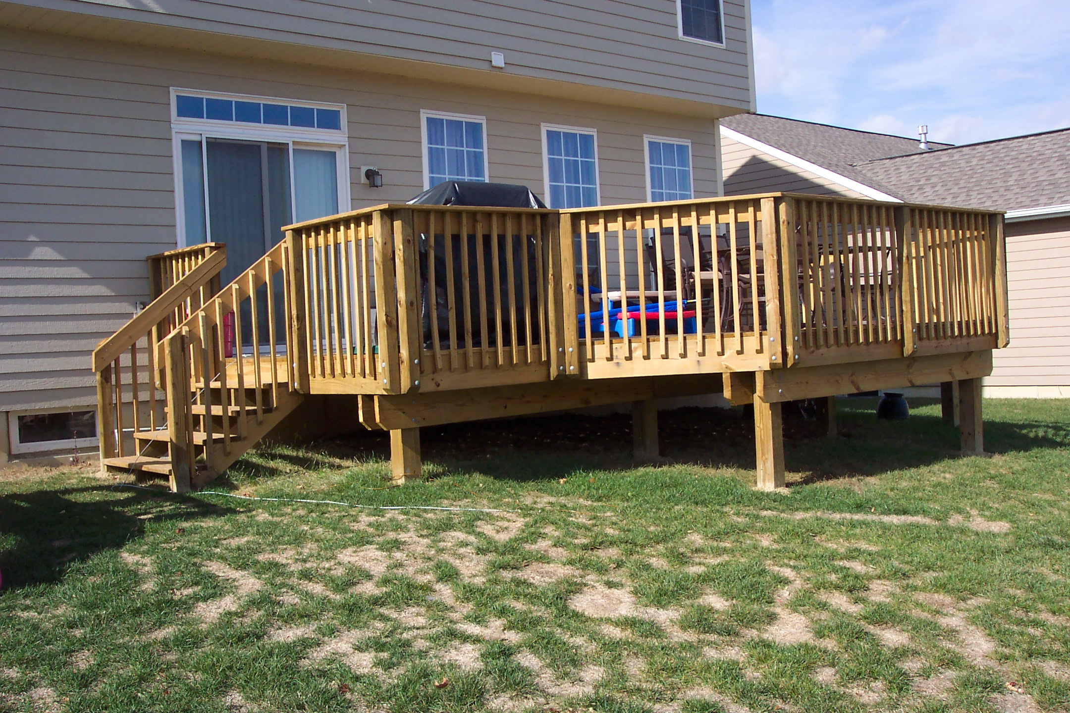 Awesome Home Deck Designs | HomesFeed on Backyard Wood Patio Ideas id=99272