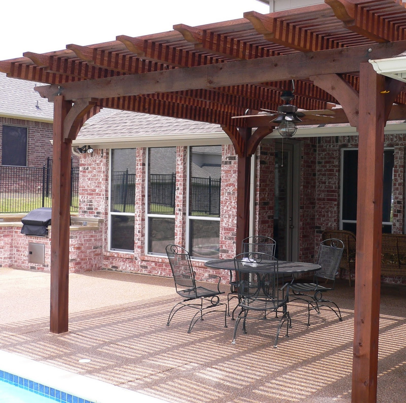 Natural Wooden Patio Covers - HomesFeed on Backyard Overhang Ideas  id=40094