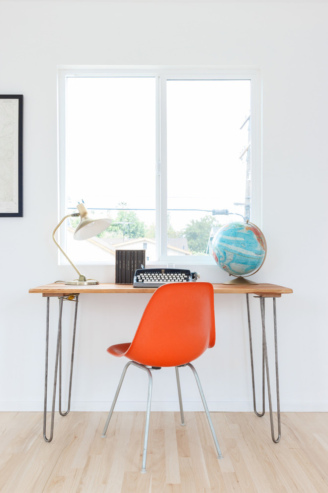 scandinavian home office orange mid century modern Eifel working chair wood top table with hairpin legs short & curved stand table lamp globe