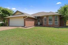 WACO HOME FOR SALE WITH BIG YARD SOLD BY MAGNOLIA