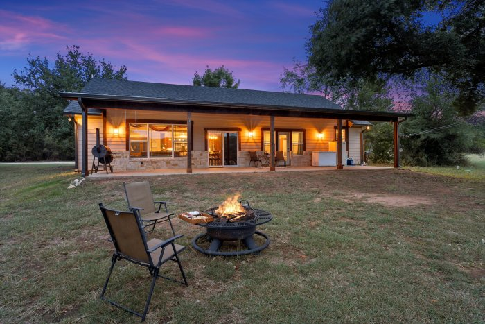 ACREAGE HOME FOR SALE IN WACO TX