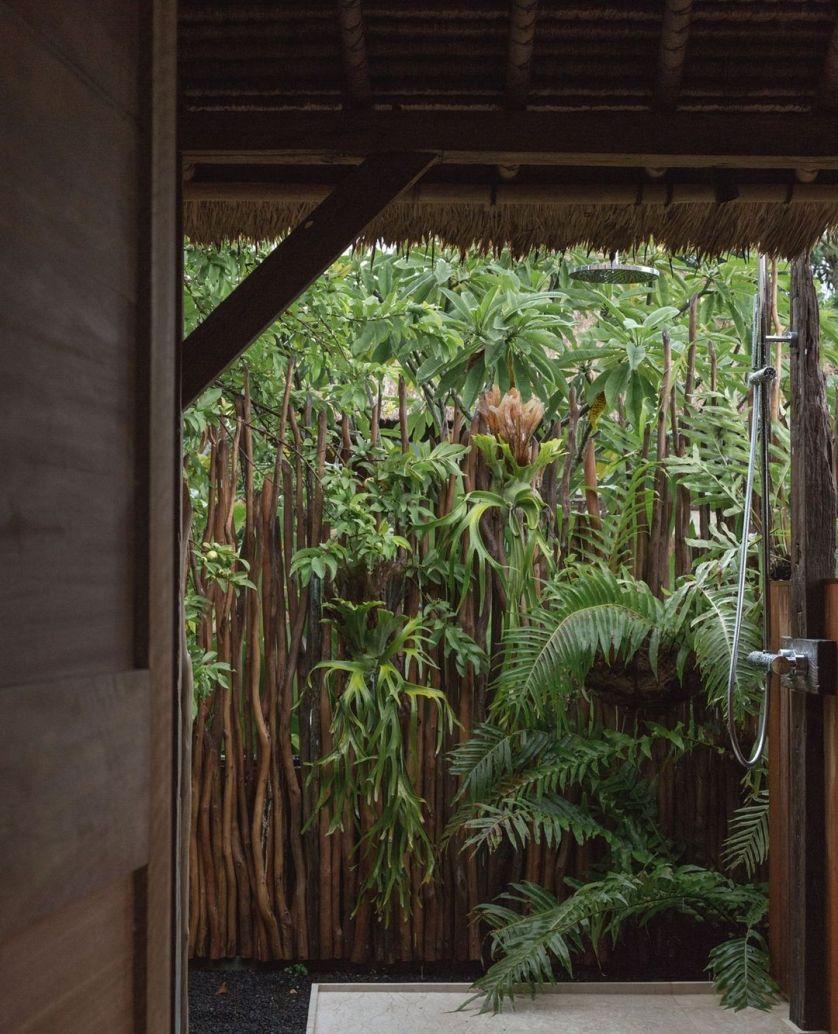 Outdoor Shower Inspiration: 40 Ideas To Create A Backyard Oasis