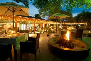 THE HAT & CREEK - Hoedspruit Restaurant - South Africa