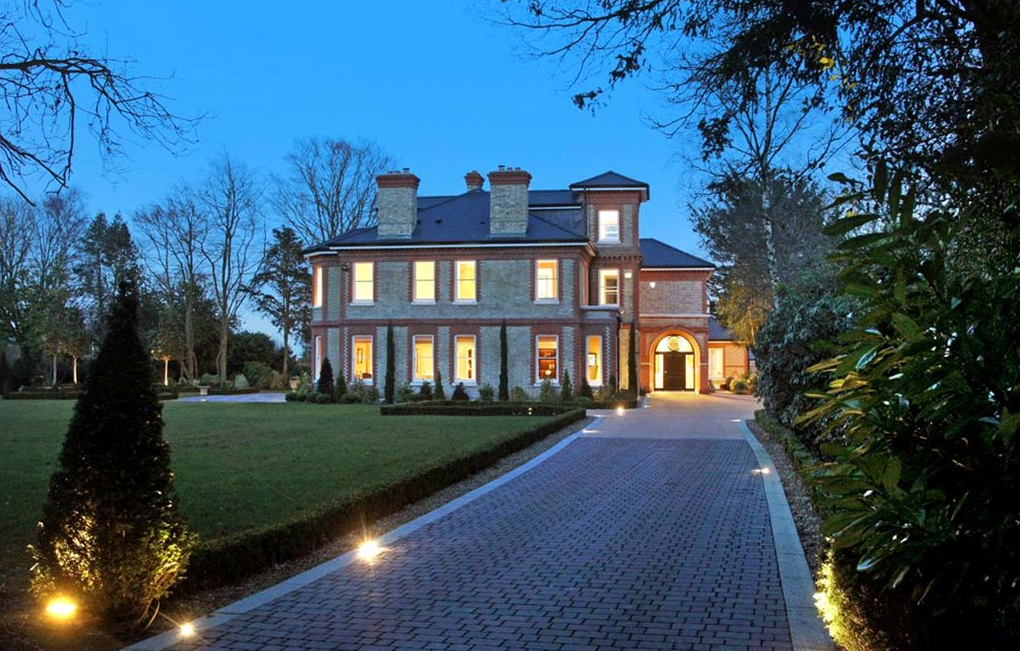 £16 Million 15,000 Square Foot Newly Built Mansion In