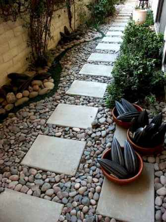 Affordable front yard walkway landscaping ideas (10)
