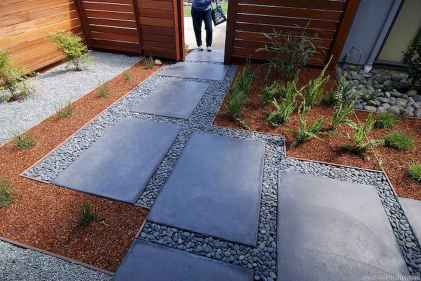Affordable front yard walkway landscaping ideas (11)