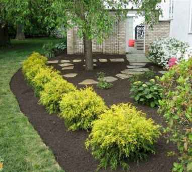 Affordable front yard walkway landscaping ideas (30)