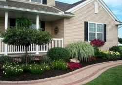 Affordable front yard walkway landscaping ideas (64)