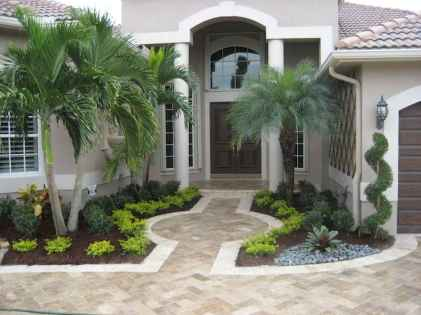 Affordable front yard walkway landscaping ideas (7)