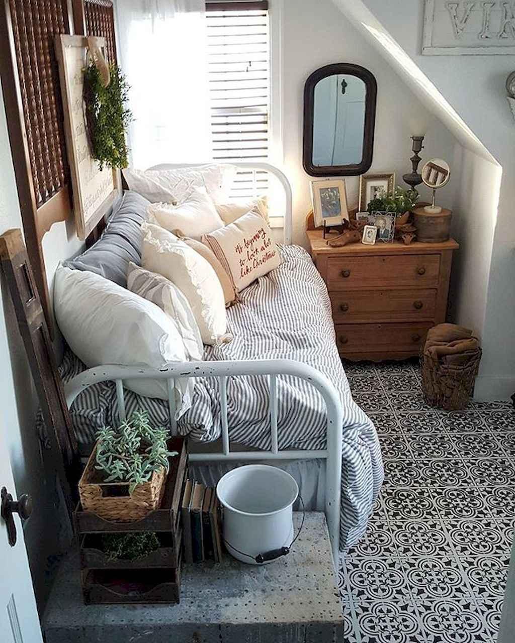 Cute diy dorm room decorating ideas on a budget (32)