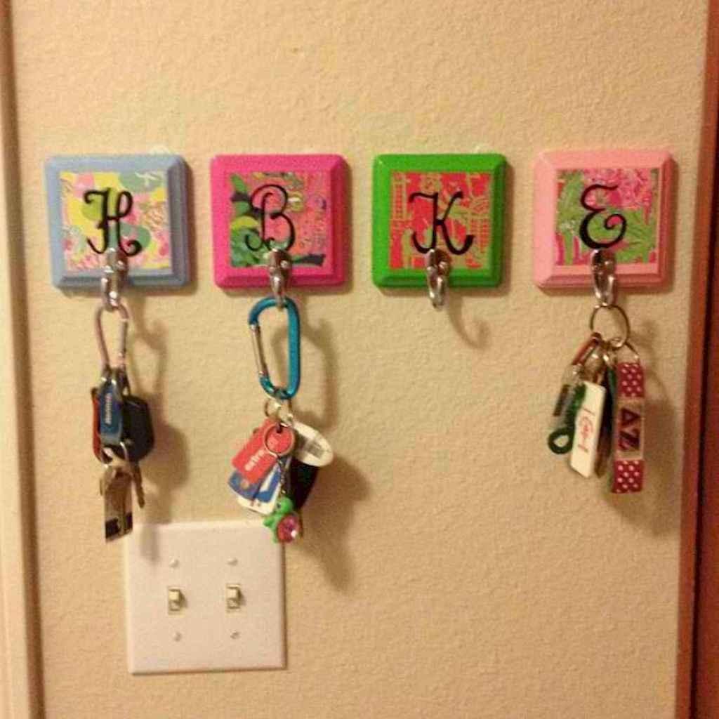 Cute diy dorm room decorating ideas on a budget (66)