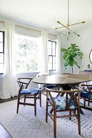 Lasting farmhouse dining room table and decorating ideas (44)