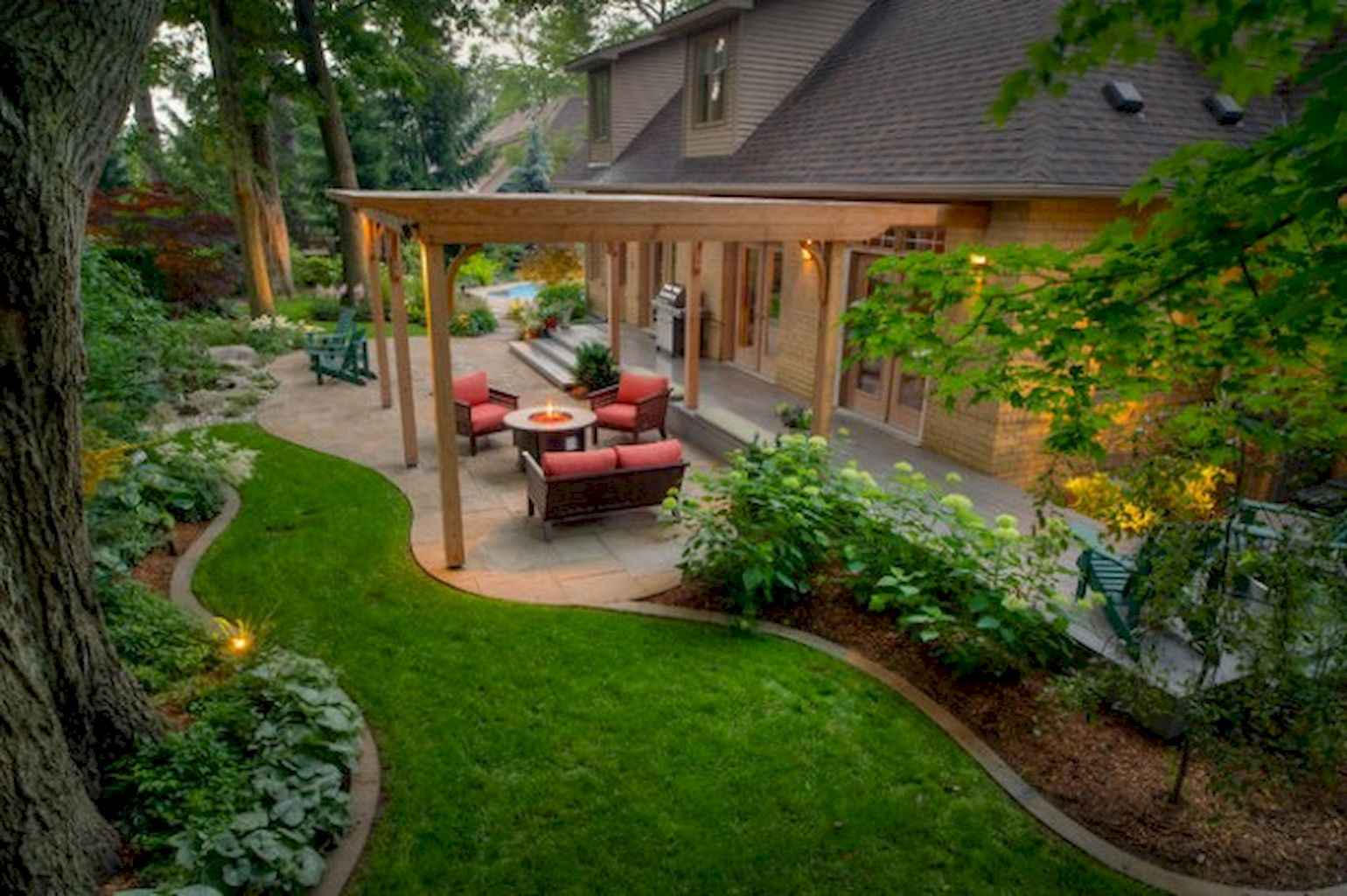 Small backyard landscaping ideas on a budget (65)