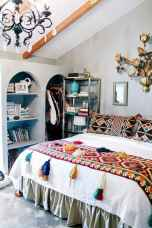 Beautiful and elegance chic bohemian bedroom decor ideas (4)