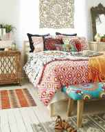 Beautiful and elegance chic bohemian bedroom decor ideas (47)