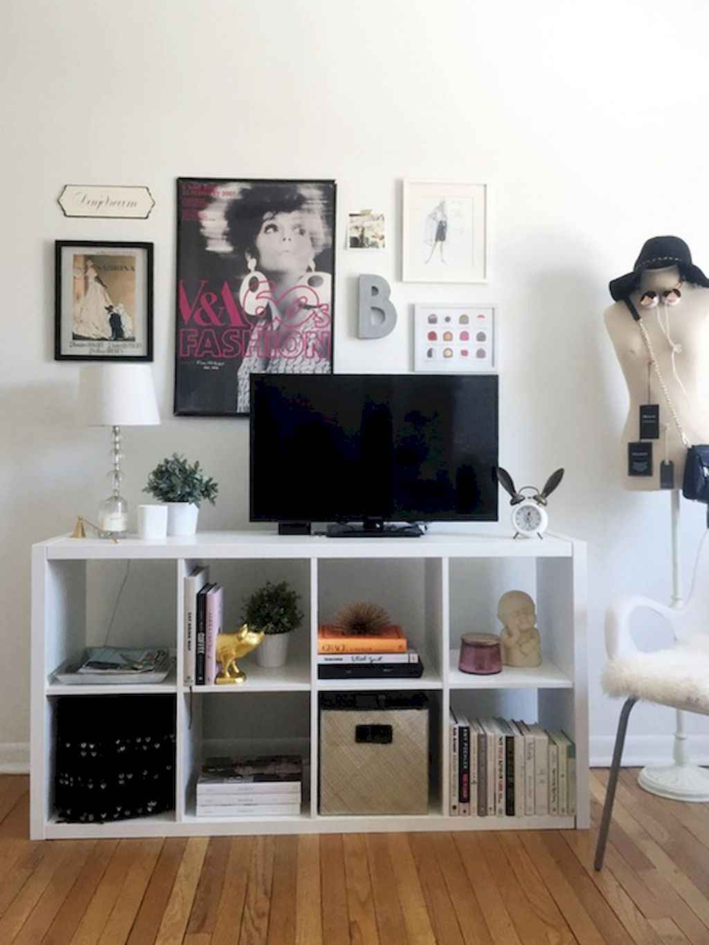 Cool small apartment decorating ideas on a budget (12)