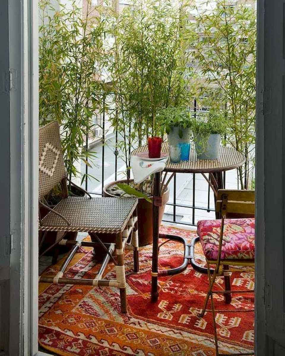 Cozy small apartment balcony decorating ideas (10)