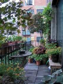 Cozy small apartment balcony decorating ideas (27)