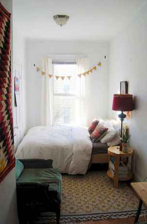 Creative cool small bedroom decorating ideas (44)