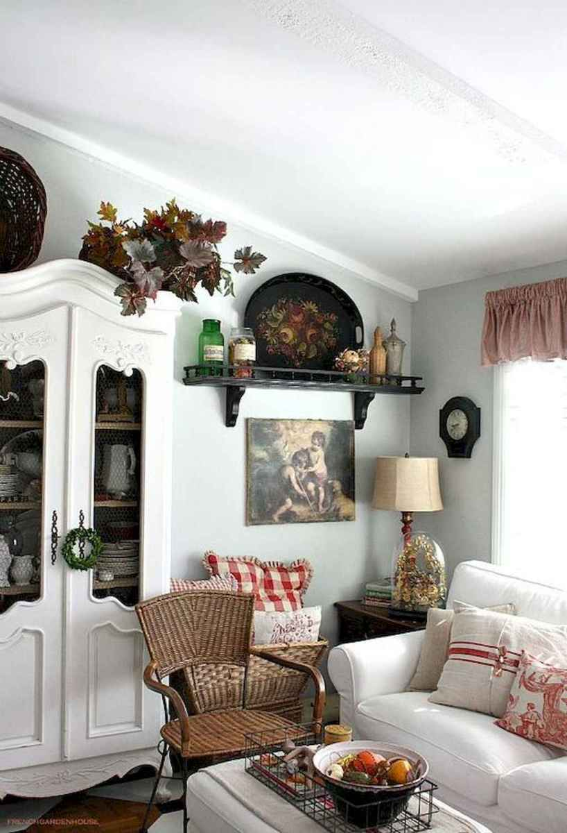 Fancy french country living room decorating ideas (45)