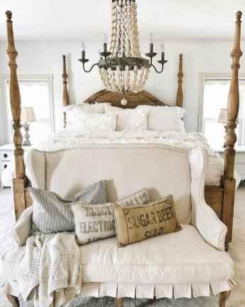 Farmhouse style master bedroom decoration ideas (14)