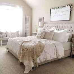 Farmhouse style master bedroom decoration ideas (21)