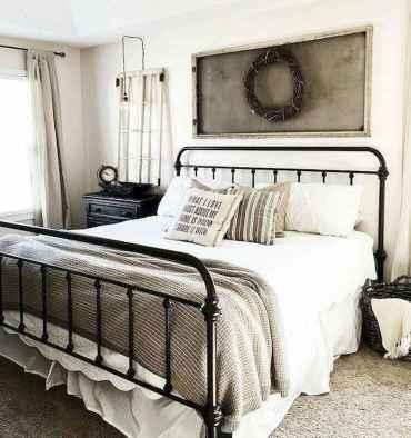 Farmhouse style master bedroom decoration ideas (41)