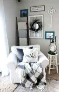 Farmhouse style master bedroom decoration ideas (56)
