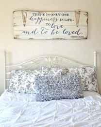 Farmhouse style master bedroom decoration ideas (8)