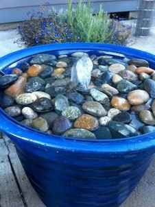 Fresh water feature for front yard and backyard landscaping (40)