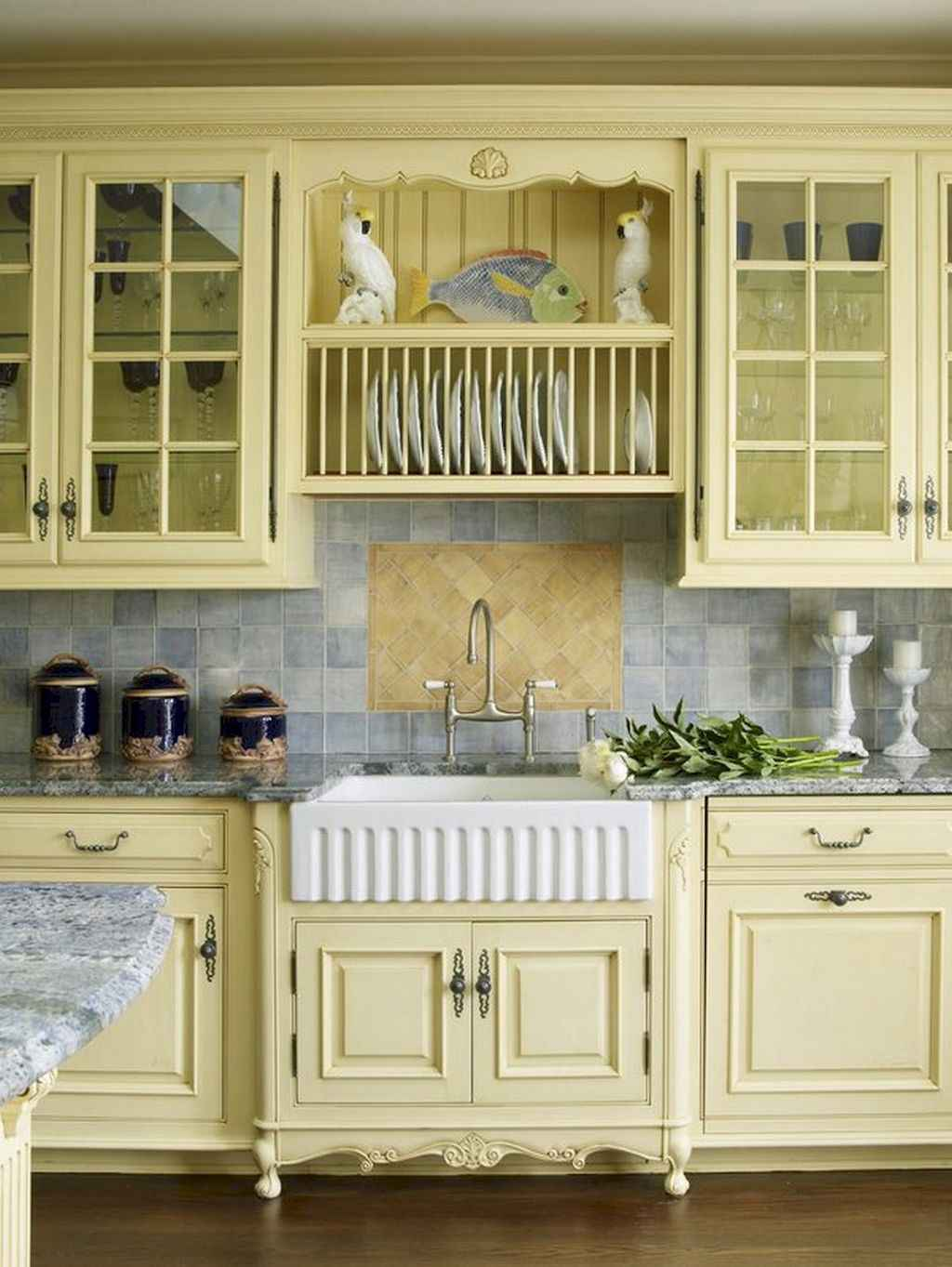 Incredible french country kitchen design ideas (18)