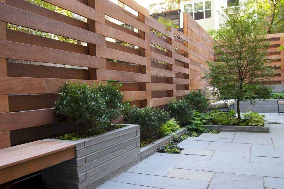 Simple clean modern front yard landscaping ideas (45)