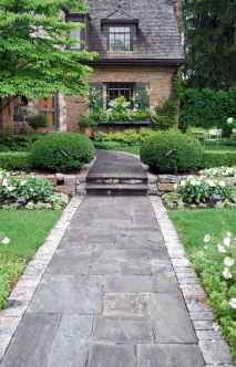 Simple clean modern front yard landscaping ideas (6)