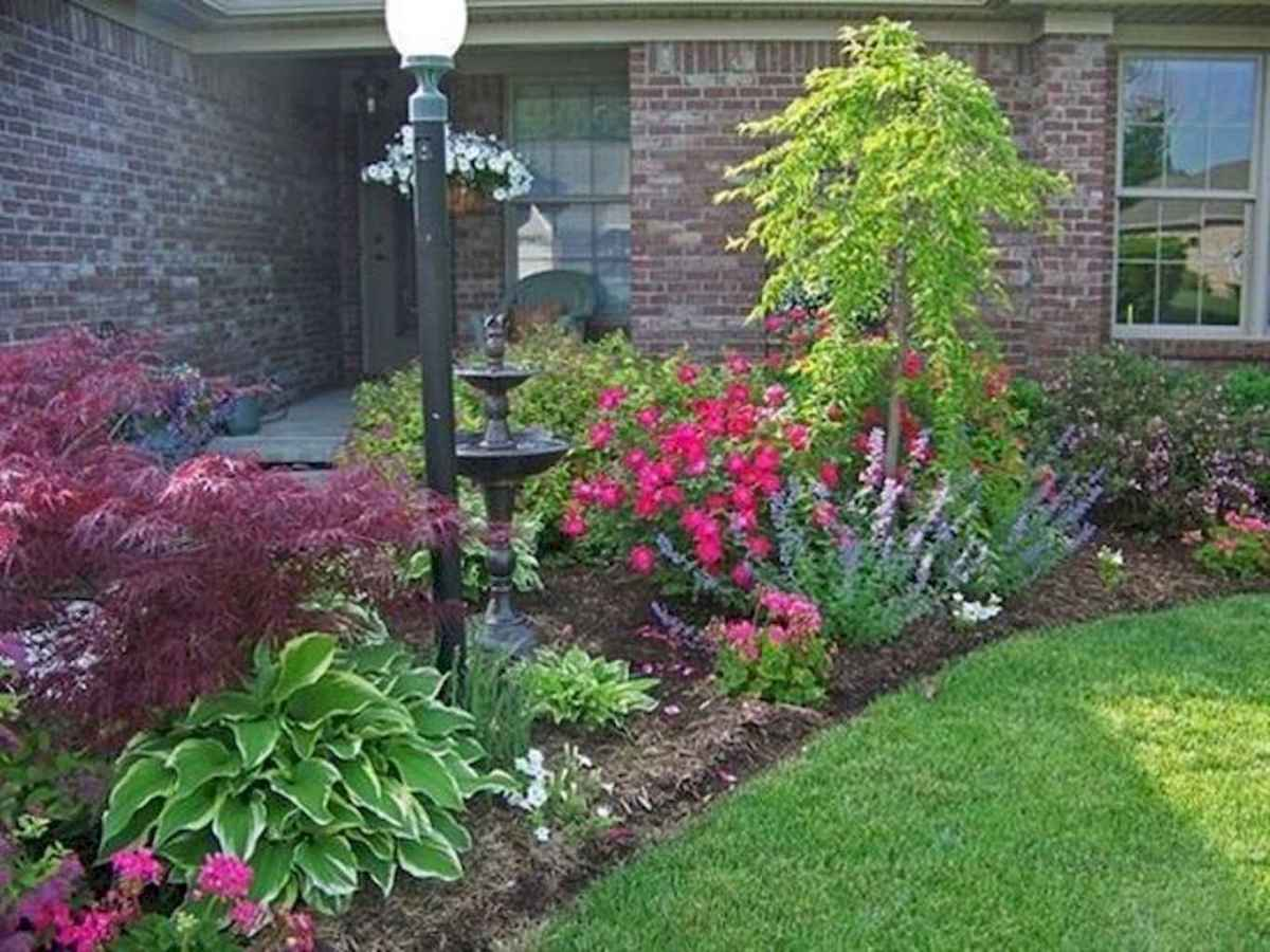 Simple and beautiful front yard landscaping ideas (42)