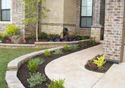 Simple and beautiful front yard landscaping ideas (44)