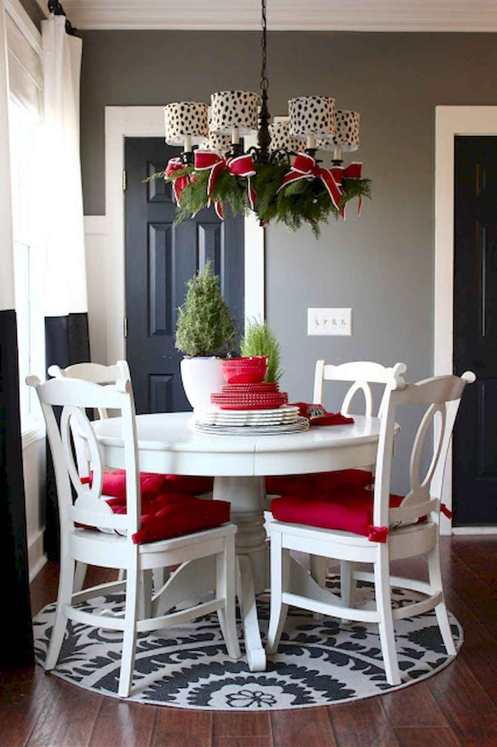 Small dining room table and chair ideas on a budget (49)