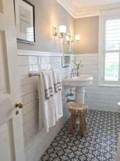 Vintage farmhouse bathroom remodel ideas on a budget (45)