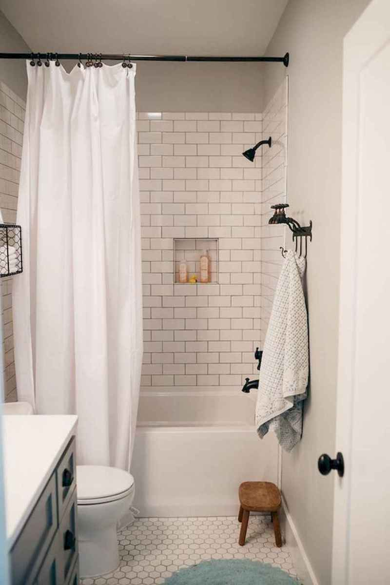 Vintage farmhouse bathroom remodel ideas on a budget (50)