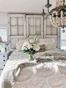 Adorable shabby chic bedroom decor ideas (20)