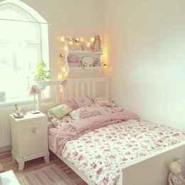 Adorable shabby chic bedroom decor ideas (34)