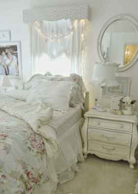 Adorable shabby chic bedroom decor ideas (40)