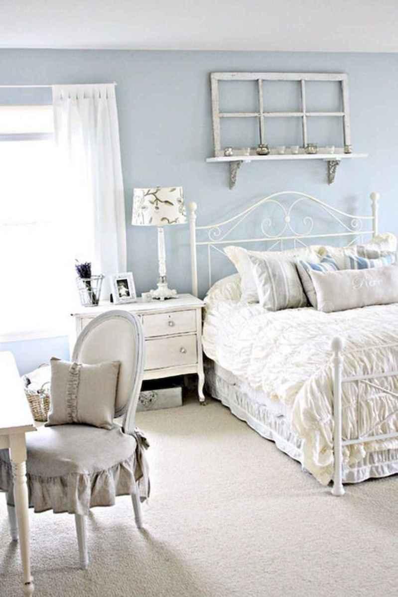 Adorable shabby chic bedroom decor ideas (45)