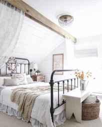 Adorable shabby chic bedroom decor ideas (50)