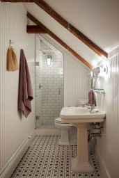Attic bathroom makeover ideas on a budget (23)