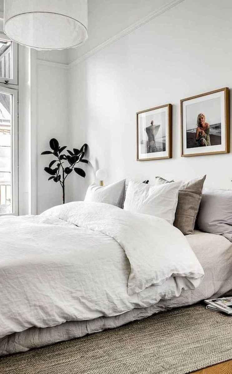 Beautiful minimalist master bedroom decor ideas (32)