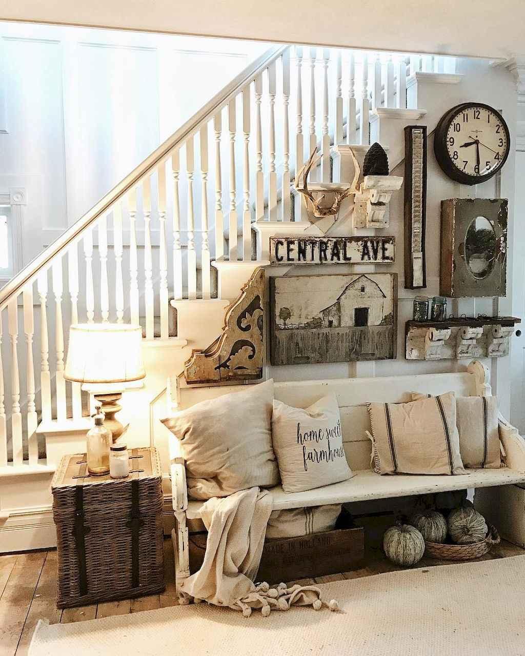 Catchy farmhouse rustic entryway decor ideas (23)