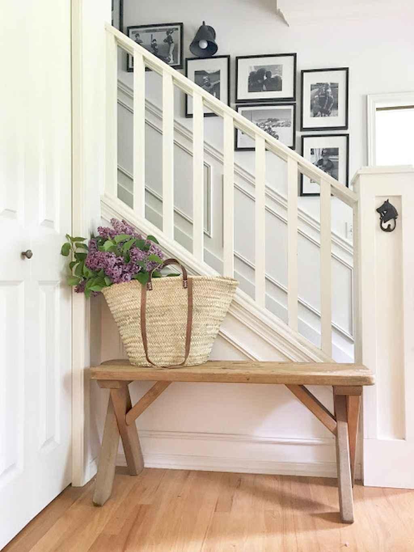 Catchy farmhouse rustic entryway decor ideas (5)
